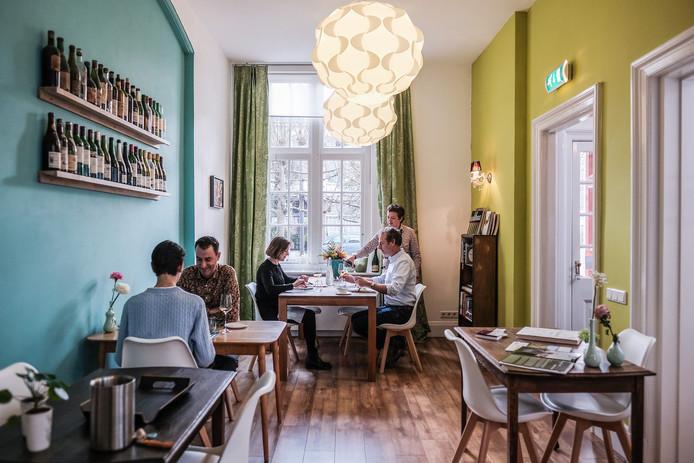"""Avalon in De Gelderlander: """"Verfijnde spijs én wijn bij Martine in de keuken"""""""